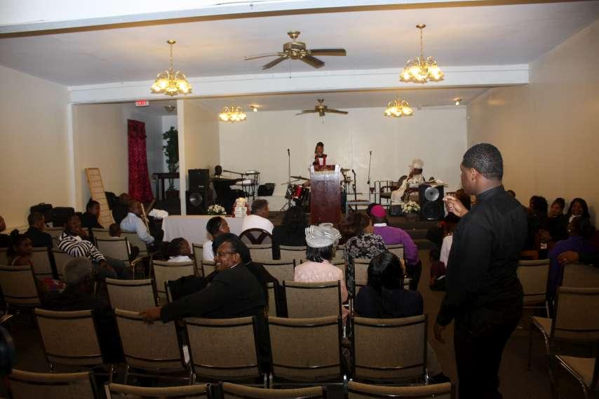 Pastor Robertson Installation130-P20.jpg